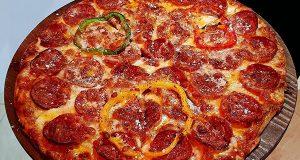 آموزش طرز تهیه پیتزا پپرونی خانگی و اصول پخت پیتزا پپرونی خوشمزه