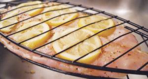 آموزش طرز تهیه ماهی کبابی با زغال