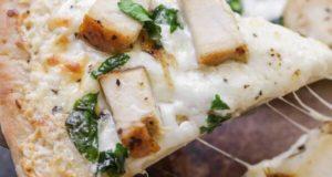 آموزش طرز تهیه پیتزا مرغ و قارچ خوشمزه با خمیر آماده به روش رستوران
